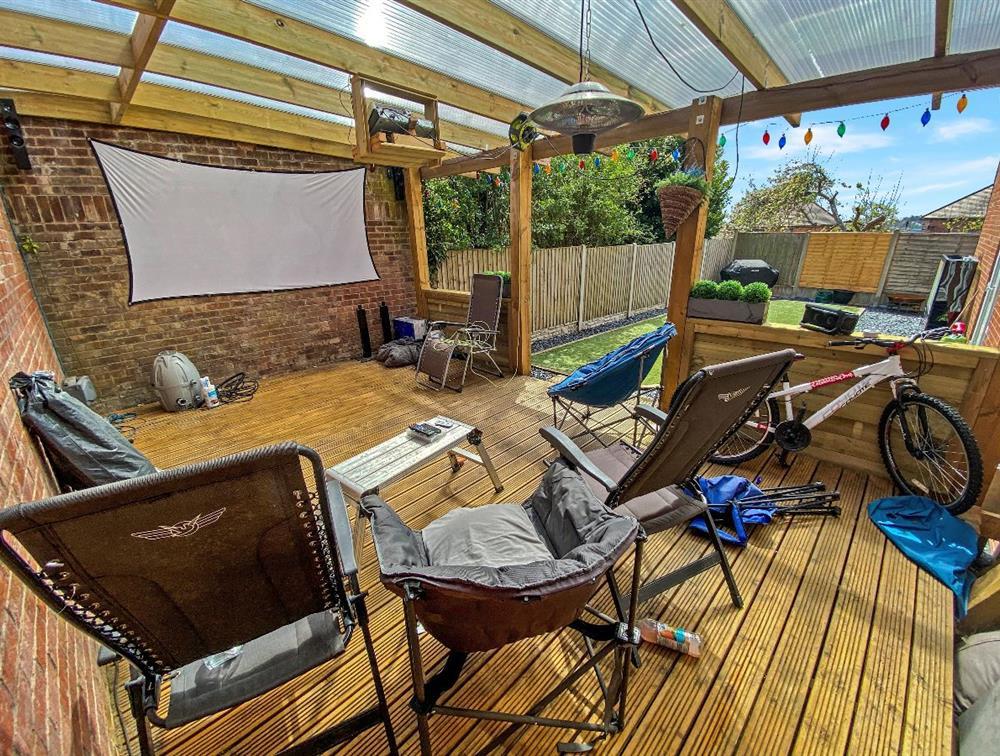 Garden - Pergola/Decking Area
