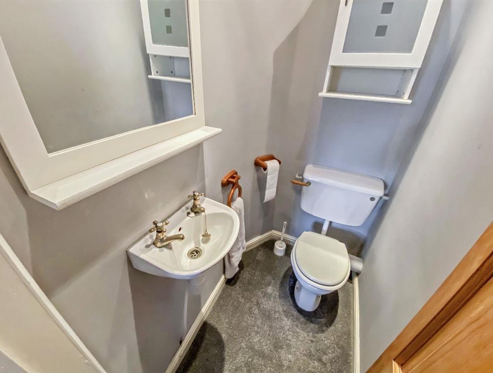 Master Bedroom En Suite WC